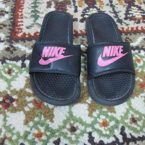 Size 8 Nike Sandals